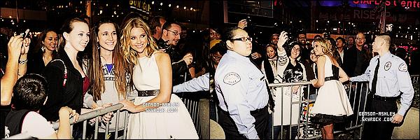 * 11/01/12 : Ashley était a la cérémonie des    People's Choice Awards  au Gibson Amphitheatre a Los Angeles.  Une tenue très classique et assez girly pour Ashley mais néanmois qui est très jolie donc j'aime. Le noir donne le côté chic de la tenue  ! *
