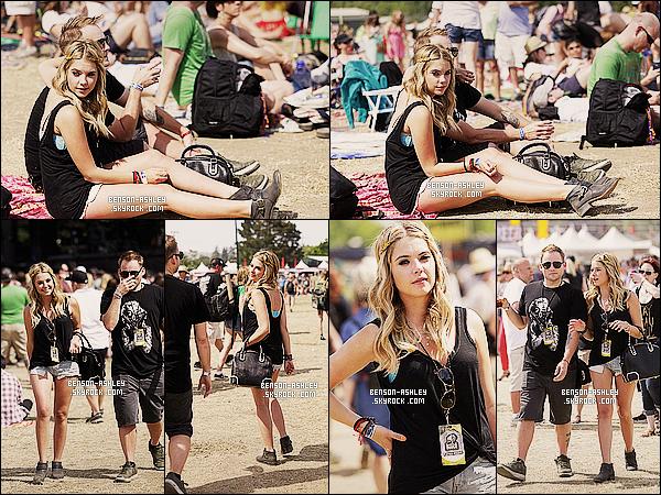 * 11/05/13 : Ashley était présente lors du festival    Bandeau    au Bottle Rock Napa situer en plein Californie.  Ashley est dans une tenue  décontracté mais qui lui va vraiment super bien j'aime  en plus elle est de bonne humeur donc quel plaisir ! *