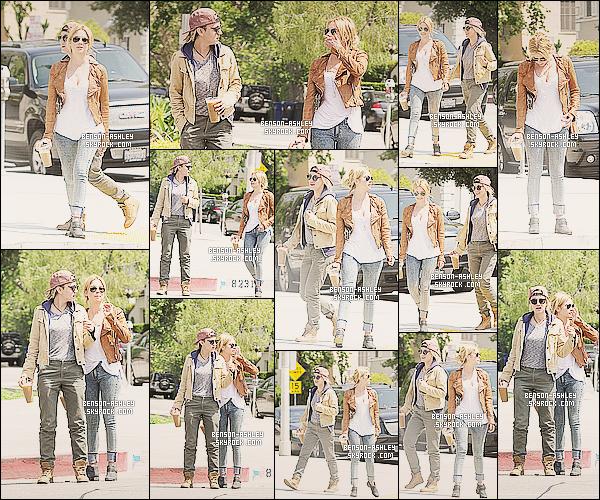 * 09/05/13 : Ashley a été aperçue accompagné d'une amie a la sortie d'un    Coffee Toast   situé à Los Angeles.  Je trouve la tenue d'Ashley totalement  Top de ce qu'elle peut nous offrir avec des la couleur qui lui va si bien. J'aime et je dis bravo ! *