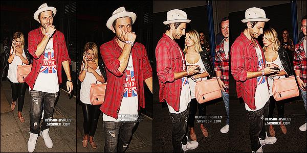 * 22/04/14 : Ashley a été aperçue en compagnie de Ryan a la sortie du pub le    Troubadour      a West Hollywood.  Ashley a changé son pantalon que je n'aimais pas et je trouve que sa tenue la lui va a merveille, elle est ravissante j'aime beaucoup   ! *