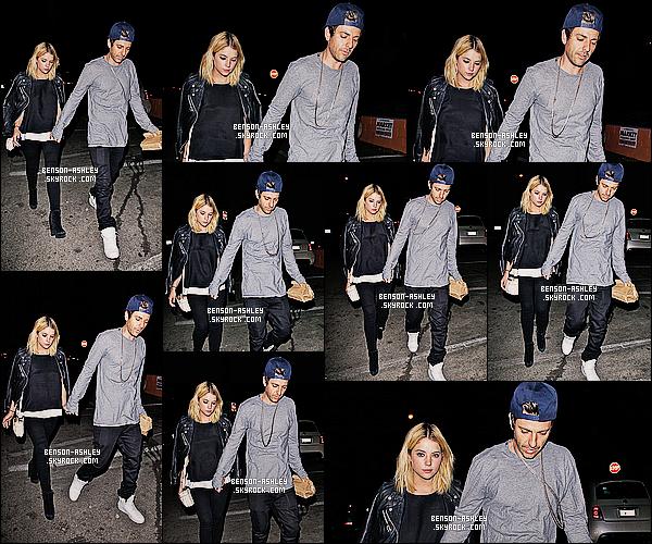 * 03/05/14 : Ashley a été aperçue accompagné de son boyfriend  Ryan  après avoir été    dinner      dans Los Angeles.  J'aime assez cette tenue noir et blanche. Ashley nous montre son style décontracter/habillé alors ça lui va vraiment bien. C'est un top    ! *