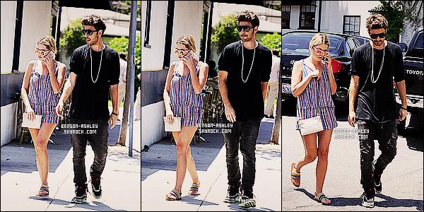 * 05/06/14 : Ashley a été aperçue en  promenade en compagnie de    Ryan    son petit-ami dans Beverly Hills.   Ashley semble être fatiguée au bras de son boyfriend mais au niveau de sa tenue le résultat est concluant elle est belle, c'est un TOP ! *