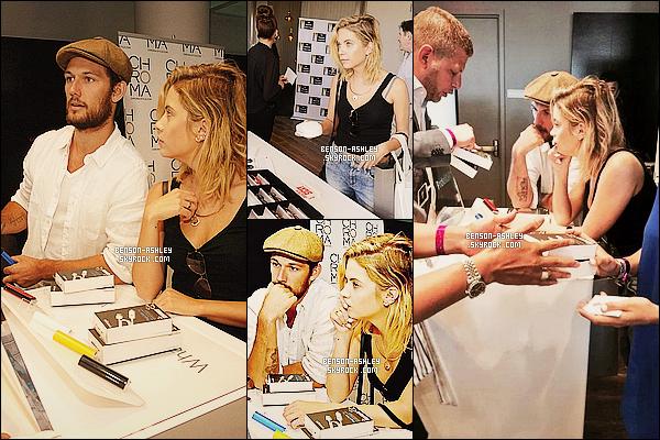 * 22/08/14 : Ashley a été vu avec A. Pettyfer au  Kari Feinstein's Style Lounge    a l'hôtel Andaz   à   Los Angeles.      Ashley et Alex faisaient la promotion de produit de chez Innergie. Ash' semble  fatigué de faire cette promo, c'est à voir si elle est ravie   ! *