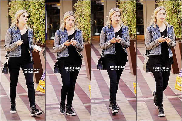 * 07/09/14 : Ashley a été aperçue seule avec son téléphone en main quittant le  Veggie Grill    situé à   Los Angeles.  J'aime bien la tenue que porte Ashley, elle est décontracté mais pourtant je la trouve vraiment bien, je dirais que c'est un TOP cette fois   ! *