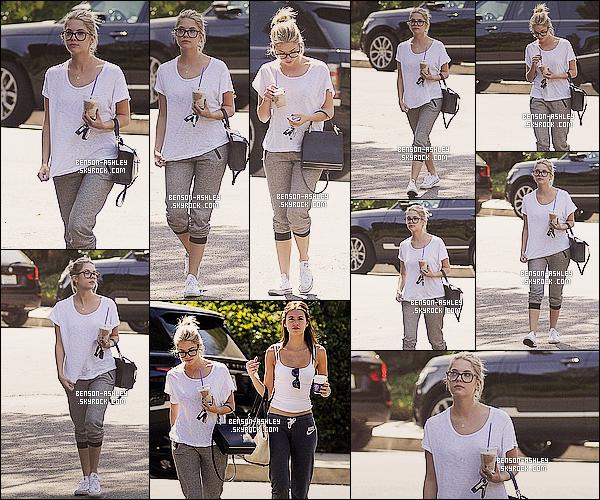 * 29/09/14 : Ashley a été aperçue avec une amie à la sortie de son cours de   sport  habituel  situé à   Los Angeles.  Petit café a la main, Ashley ce détends après le sport ce qui est une bonne chose. Niveau tenue de sport, elle a déjà eu mieux mais cava    ! *