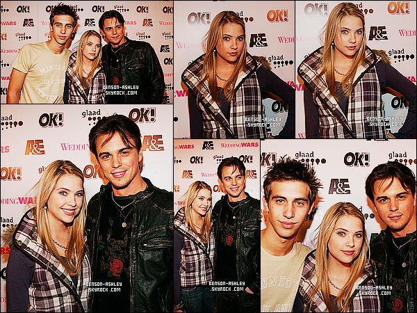 * 04/12/06 : Ashley était présente lors de la première de    A&E 'Wedding Wars' qui c'est déroulé à Los Angeles.  On dirait qu'Ashley  avait un style assez écolière dans ce temps ci. Par ailleurs, ce n'est pas mal et je pense que sa devait être a la mode   ! *