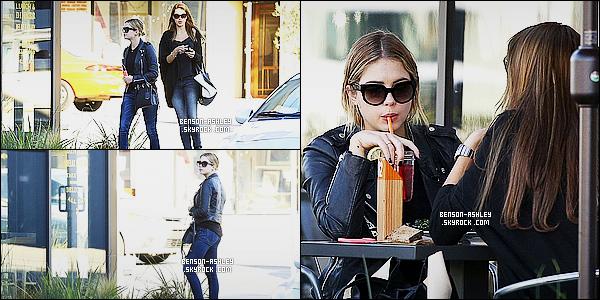 * 05/01/15 : Ashley a été aperçue  en compagnie d'une amie au restaurant     La Boulange    situé dans  Los Angeles.  Je n'aime pas trop les chaussures de Ashley mais pour le reste c'est bien malgré la présence majoritaire de noir. C'est un  TOP cette fois    ! *