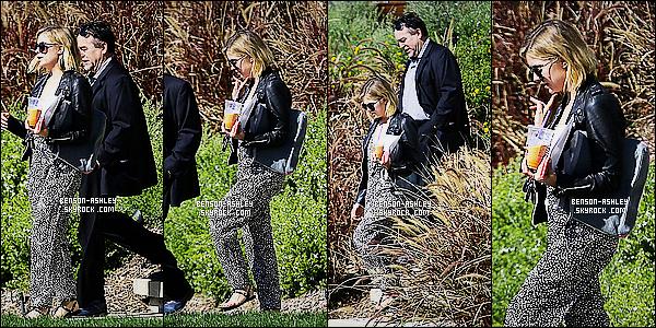 * 06/02/15 : Ashley a été aperçue  après avoir     visiter une maison  qui est a vendre    situé dans  Los Angeles. Je n'aime pas la tenue d'Ashley pour le coup, je trouve qu'elle aurait pu faire bien mieux que ça. C'est dommage donc c'est un bof     ! *