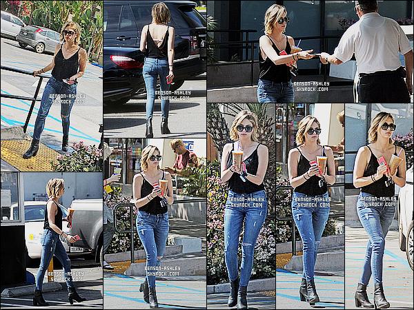 * 16/03/15 : Ashley a été aperçu seule avec un café frappé entre les mains qu'elle a acheté dans          West Hollywood. La tenue   d'Ashley est  pas mal j'aime  pour le coup. Elle a gardé son style  street mais bon il lui va  puis elle est juste partit s'acheter un café     ! *