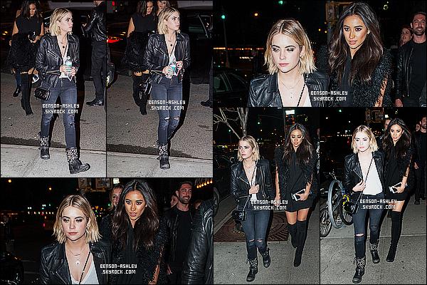 * 14/04/15 : Ashley a été de nouveau aperçu avec le cast de PLL de sortie pour un       diner   situé à  New York City. Plus de combinaison  et on retrouve la   Ashley de d'habitude. J'aime quand même bien sa tenue même si le jean troué n'est pas génial     ! *