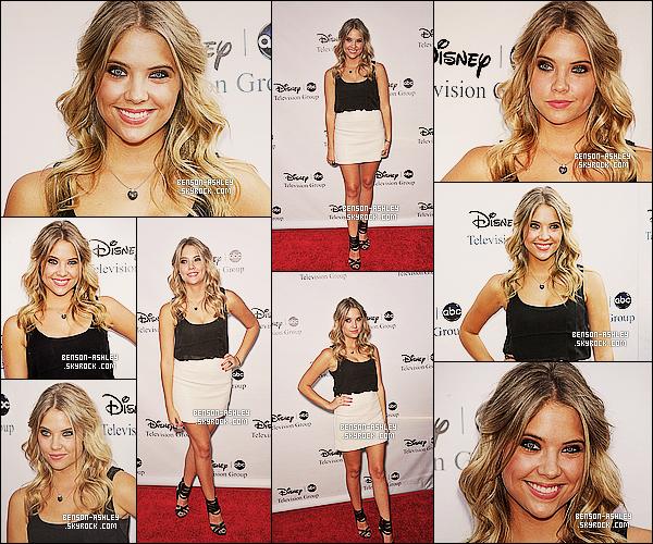 * 08/08/09 : Ashley était présente a la conférence organisé par    ABC Disney   qui c'est déroulé dans Los Angeles.  Ashley avait opté pour une  tenue classique noire et blanche mais qui lui va a merveille. Pour ma part c'est un TOP pour miss Benson  ! *