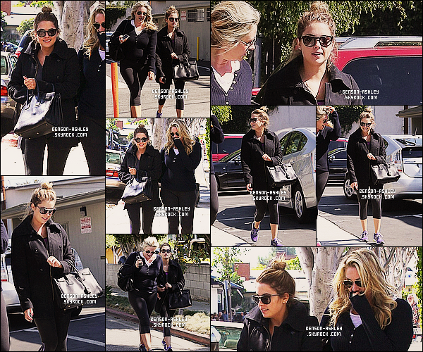 * 12/10/13 : Ashley a été vu se rendant avec une amie au restaurant    Conversation   qui se trouve à  Los Angeles.   Ashley semble contente au vu de son jolie sourire. Au niveau de sa tenue elle reste noir comme souvent, elle vient de finir son sport  ! *