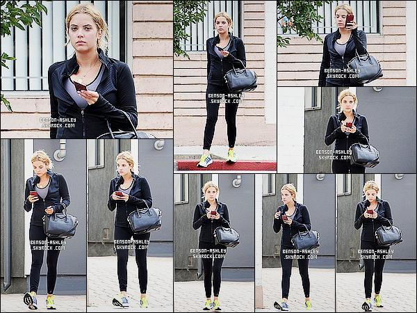 * 31/07/15 : Ashley a été aperçu seule au moment ou elle quittait son cours de     GYM  qui est situé à  Los Angeles. Une tenue bien basique de sport pour Ashley. Il n'y a rien a dire  vu qu'elle est toute noire et que seule ses baskets apportent la couleur! *