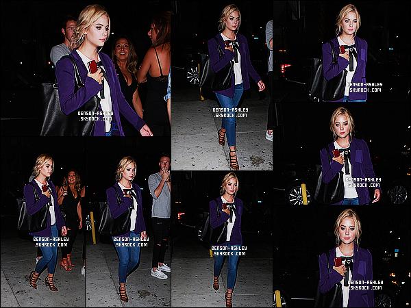 * 12/08/15 : Ashley a été aperçu seule au moment ou elle sortait du bar     Warwick   qui est situé dans Hollywood. Alors pour ce coup ci je n'aime absolument pas la tenue  d'Ashley. Cette veste n'est pas du tout bien je trouve et je n'aime pas l'ensemble! *
