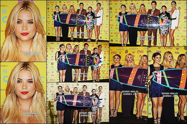 * 16/08/15 : Ashley était présente lors de la cérémonie des     Teen Choice Awards 2015   situé dans Los Angeles. Ashley a choisit une tenue entierement noir et assez simple mais qui reste chic et classe tout de même. C'est tout de même un jolie TOP  ! *