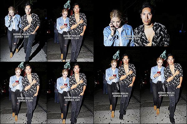 * 27/08/15 : Ashley a été aperçu avec un ami en sortant du  1   OAK Nightclub   qui est situé dans Los Angeles. J'aime l'ensemble de la tenue d'Ashley a l'exception de ses chaussures qui ne sont pas vraiment terrible. On peut dire que c'est un TOP  ! *