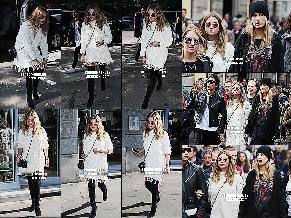 * 25/10/15 : Ashley a été aperçu en compagnie de notamment Hailey entrain de faire du   shopping   dans   Milan. J'aime bien la tenue qu'à choisit Ashley pour sortir, nous avons enfin autre chose que du noir  cela fait très plaisir donc c'est un TOP  ! *