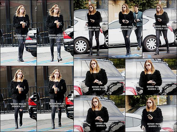 * 14/01/16 : Ashley a été aperçu après s'être rendu dans un    Coffee Bean  qui est situé dans - West Hollywood.  Ashley avait  une tenue noire comme nous pouvons en être habitué mais je n'aime pas spécialement son haut c'est pas trop mon style  ! *