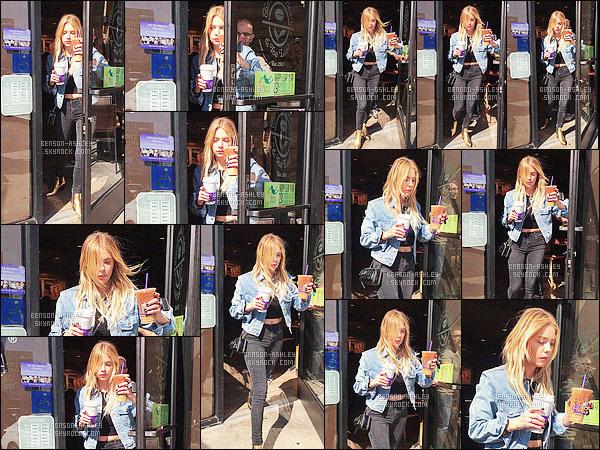 * 26/02/16 :- Ashley a été aperçu seule se rendant dans un       Coffee Bean     qui est situé  dans - West Hollywood.  Je trouve Ashley jolie, simple mais efficace avec autre chose que du noir ce qui fait plaisir, ses cheveux sont magnifique -  un jolie TOP    ! *