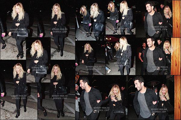 * 18/05/16 : Ashley a été aperçu avec des amis quittant le restaurant     Craig's    qui est   situé dans          West Hollywood.  Ashley nous a encore sortie une tenue intégralement noire mais qui est quand même sympa avec un air de déja vu - mais c'est un TOP    ! *