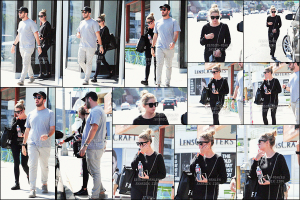 * 30/08/16 :  Ashley a été aperçu avec un  ami proche pour faire  du   shopping      dans les rues de      West Hollywood.  Ashley porte une tenue toute noire que je n'aime pas spécialement mais elle est partie faire les magasins pour une bonne raison   -     FLOP !    *