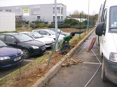 travaux de remise en état d'une clôture à l'entreprise CRITT MATERIAUX à Rochefort