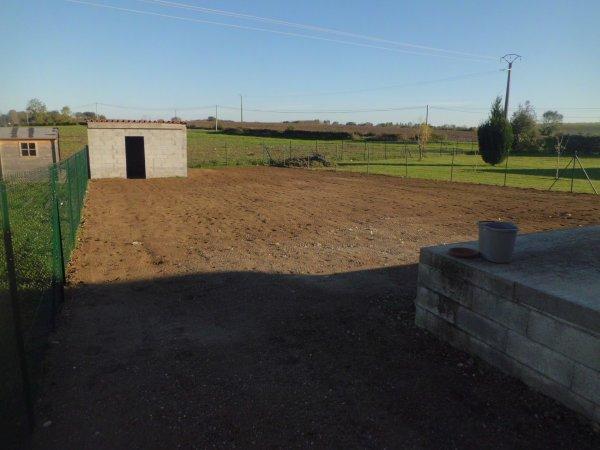 préaparation de sol et semis d'un gazon à Saint Loup