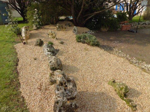 réaménagement d'une rocaille à Tonnay-Boutonne