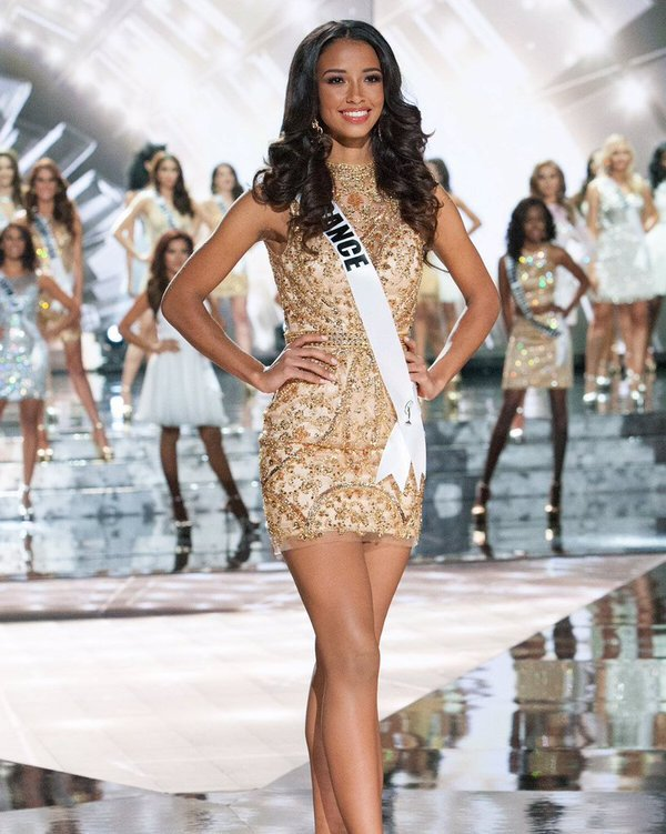 Flora - Miss Univers nouvelles photos