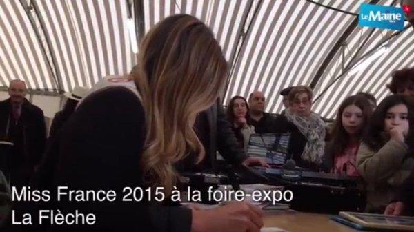 Camille - Séance de dédicace Foire Expo