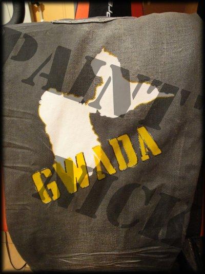 Gwada, Madinina, Maroc, Tunisie, Algérie, Protugal, Italie ...  Personnalisé votre t-shirt ou sweat avec votre pays d'origine