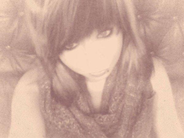 • Même Si Les Années Passent , Que Tout S'efface, Jamais Je T'oublirai, Tout Jour Je T'attendrais .. ♥