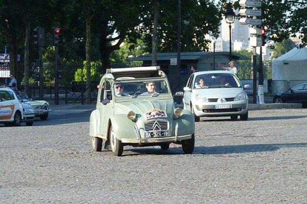 5e Traversée Estivale de Paris - Les Citroën