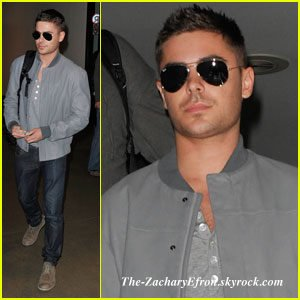 Puis Zac a été vu à LAX le 8 février ! De retour à LA ! Cool :p