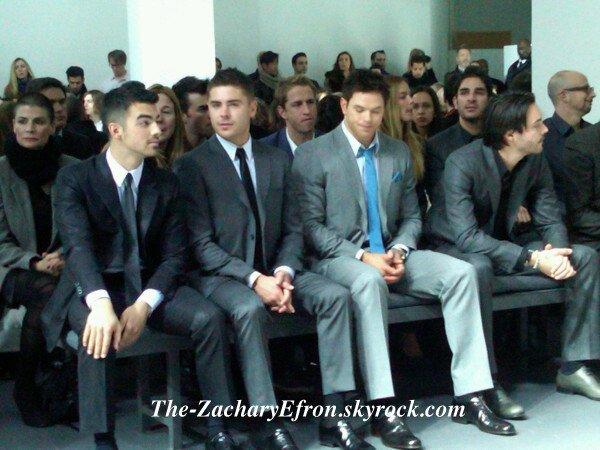 Zac est bien partit pour New York, en effet, il a participé aujourd'hui (13 février) à la Fashion Week à new York ou il a assité à un défilé Calvin Klein. On peut voir Joe Jonas et Kellen Lutz