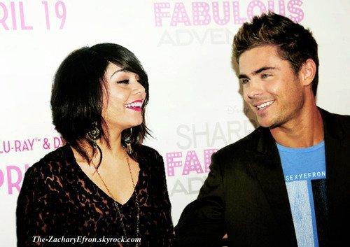 Bonjour!!! Zac était présent at Sharpay's Fabulous Adventure Premiere! Vanessa était elle aussi présente ^^ En plus , là il s'est rasé! Quelle bonheur !