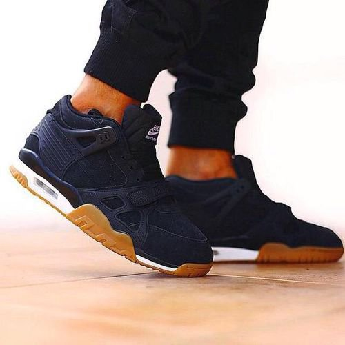 1:Sneakers
