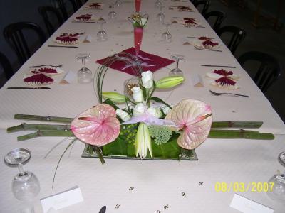 Montage table d honneur a l occasion d 50e anniversaire de for 50e anniversaire de mariage