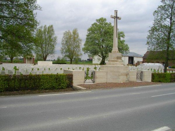 Cimetiere militaire rue du bois a Fleubaix