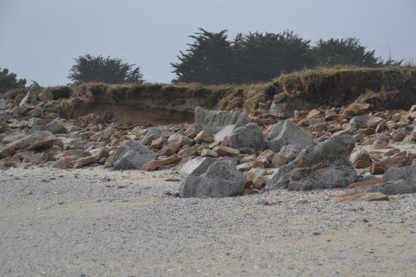 La digue de penthièvre coté baie n'a pas résisté