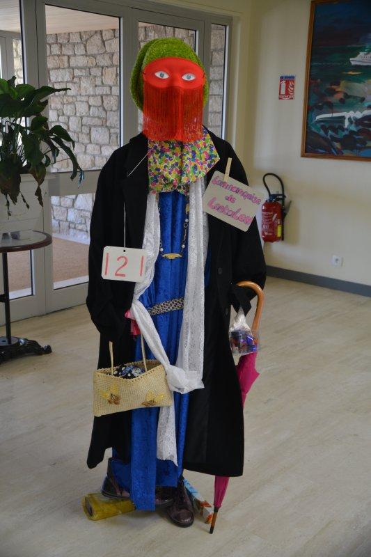 """Concours d'épouvantails organisé par l'association """"l'agapanthe """" espace louison Bobet 4 mai"""
