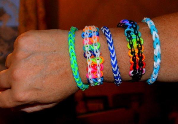 Après les shamballas voici la mode de l'été ,les bracelets elastiques ..