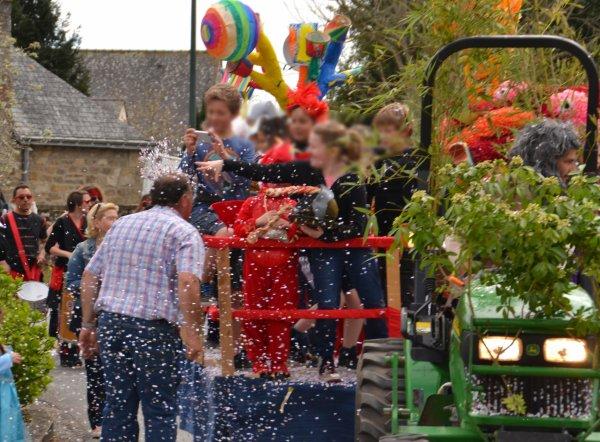 Grande parade de chars pour le carnaval de plouharnel 12 avril
