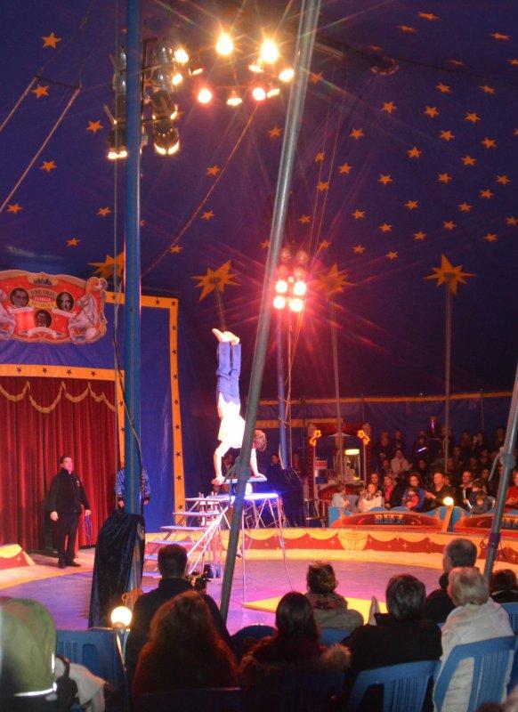 Cirque familial des frères RITZ avec en 1ère partie les élèves de l'école st Clément 13 dec