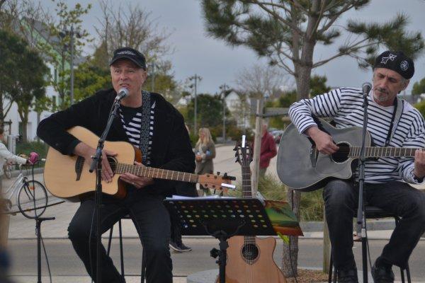 Olivier Rech et Yann Malau en concert place hoche 14 avril