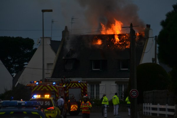 Incendie dans une maison ce matin au lotissement Toul Ar Ouët (entre kermorvan et port haliguen)