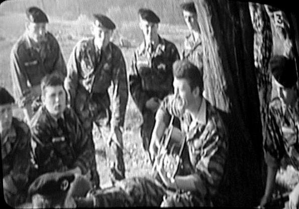 Mon père fernand aux cotés de johnny pendant leur service militaire