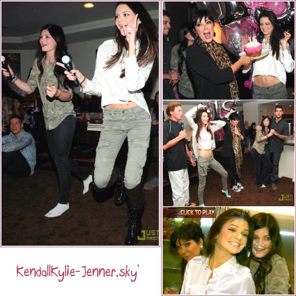 Kendall et sa famille ont refêter son 15ème anniversaire pour la marque Sony PlayStation , le 17 Novembre .