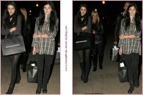 Kendall & Kylie quittant the Nutcracker , le 9 Décembre . Aimez vous leurs tenues ?