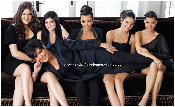 Toutes les filles de la famille Jenner/Kardashian ont posé pour le magazine Hollywood Reporter .